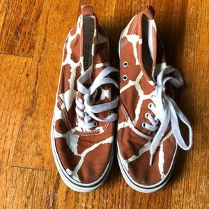 H&M Giraffe sneakers